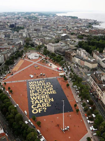 "Largest poster ever"" by Guinness World Records in Geneva in 2016. Photo (CC BY 2.0): Generation Grundeinkommen"